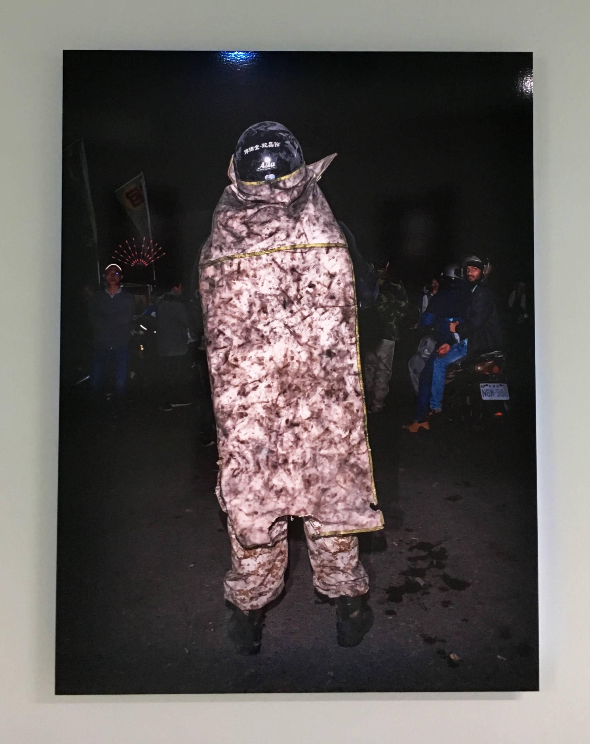 陳伯義,《食砲人 - XIV》,75 x 100 cm,雷射輸出彩色銀鹽相紙,1/8,2018。