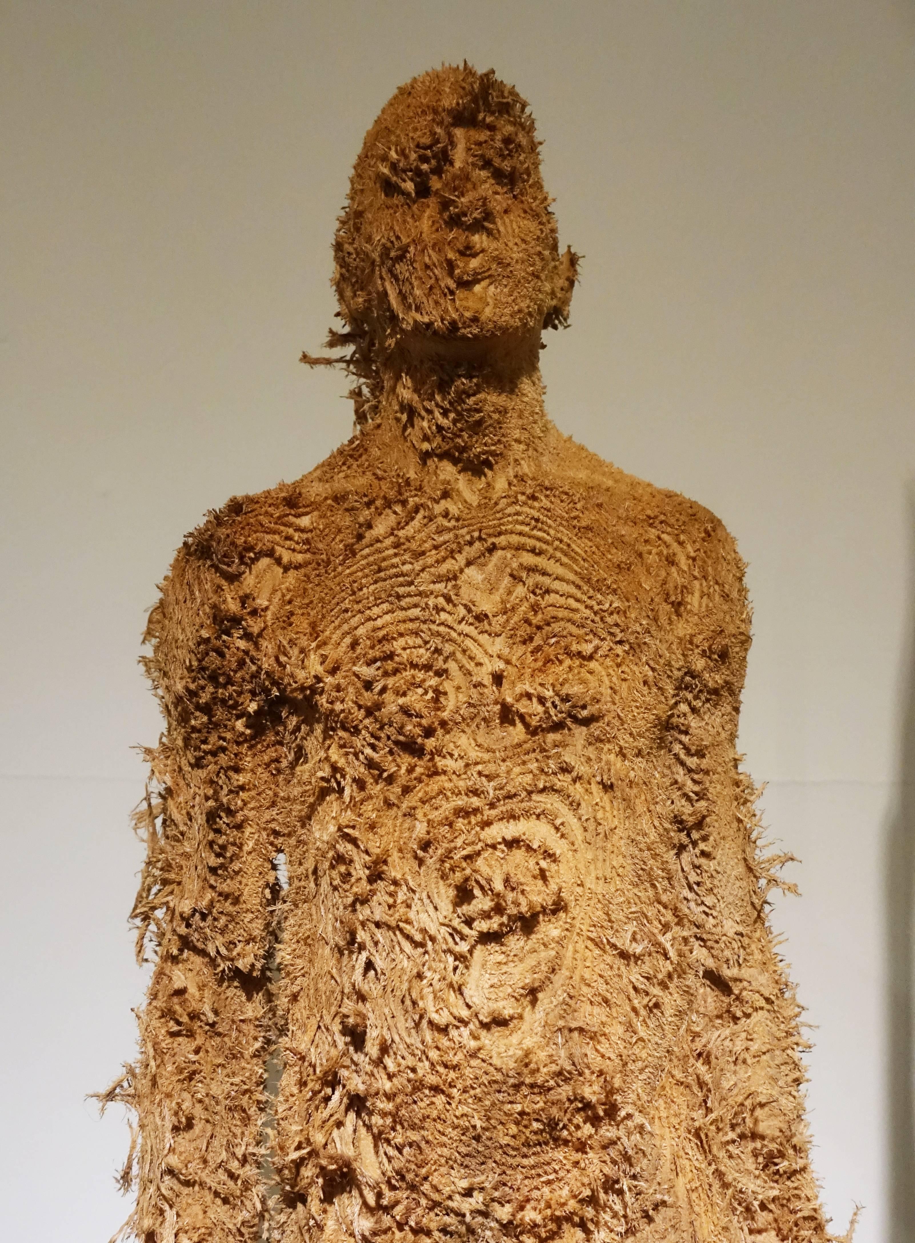 艾倫.德梅茲,《Seansons Between》細節,63 x 23 x 15 cm ,Nutwood堅果木,2012。