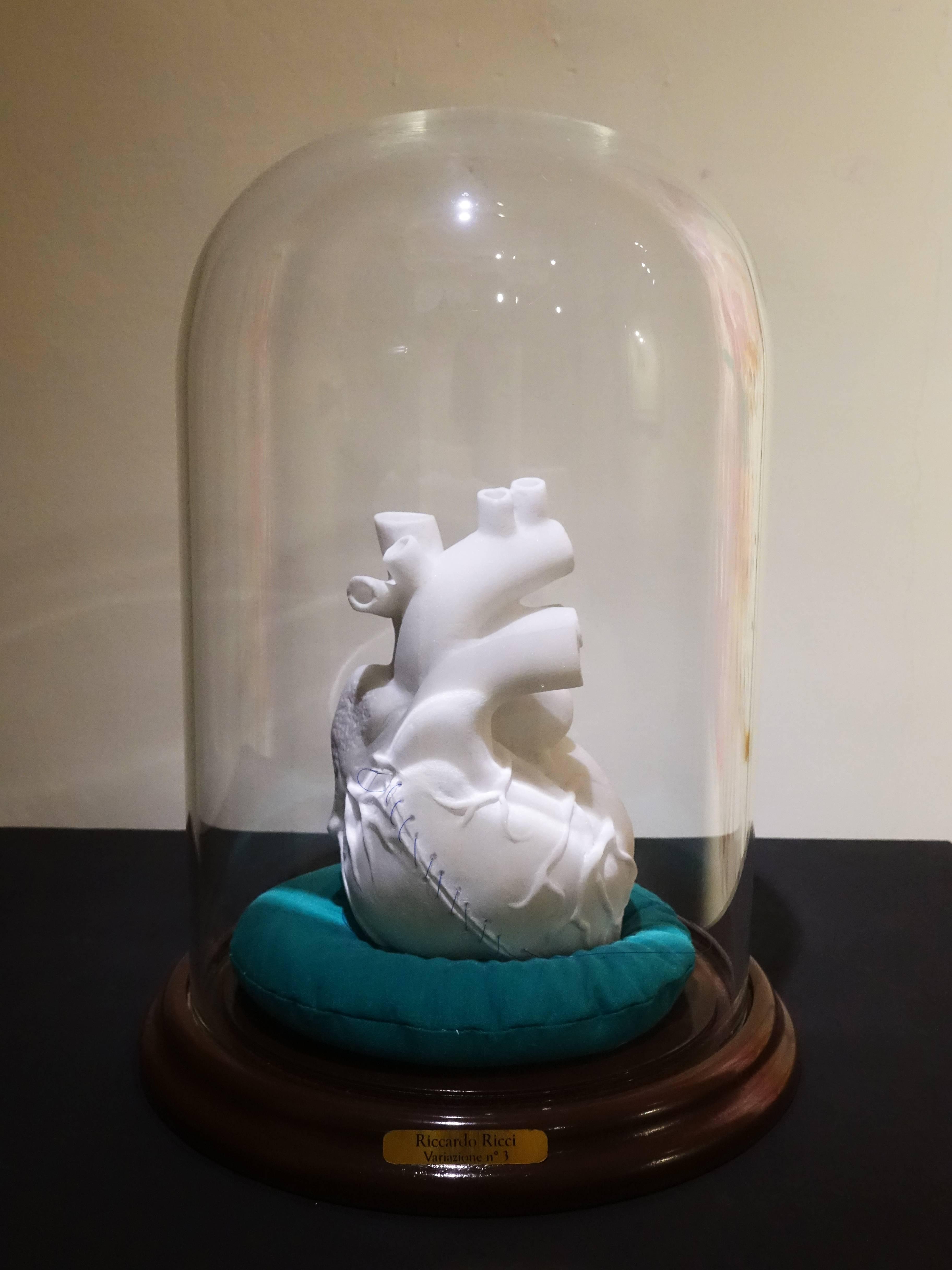 里卡多.李奇,《觀察心臟的三位一體遊戲-3》,20 x 20 x 300 cm ,卡拉拉大理石、複合媒材,2015。