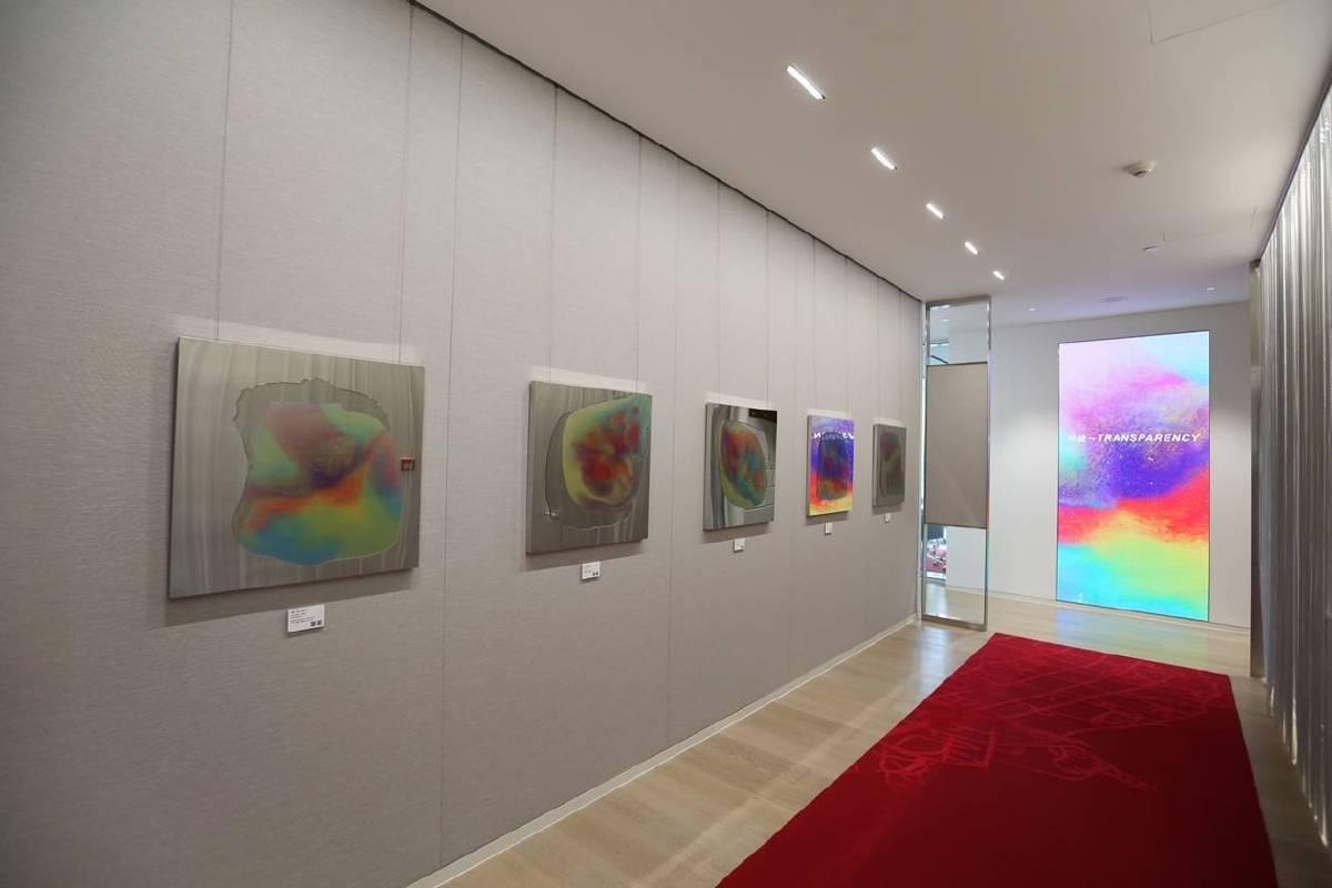 Gensler建築事務所創造空間與藝術結合,定期舉辦藝術展回饋社會,推廣藝術家及其創新思維。