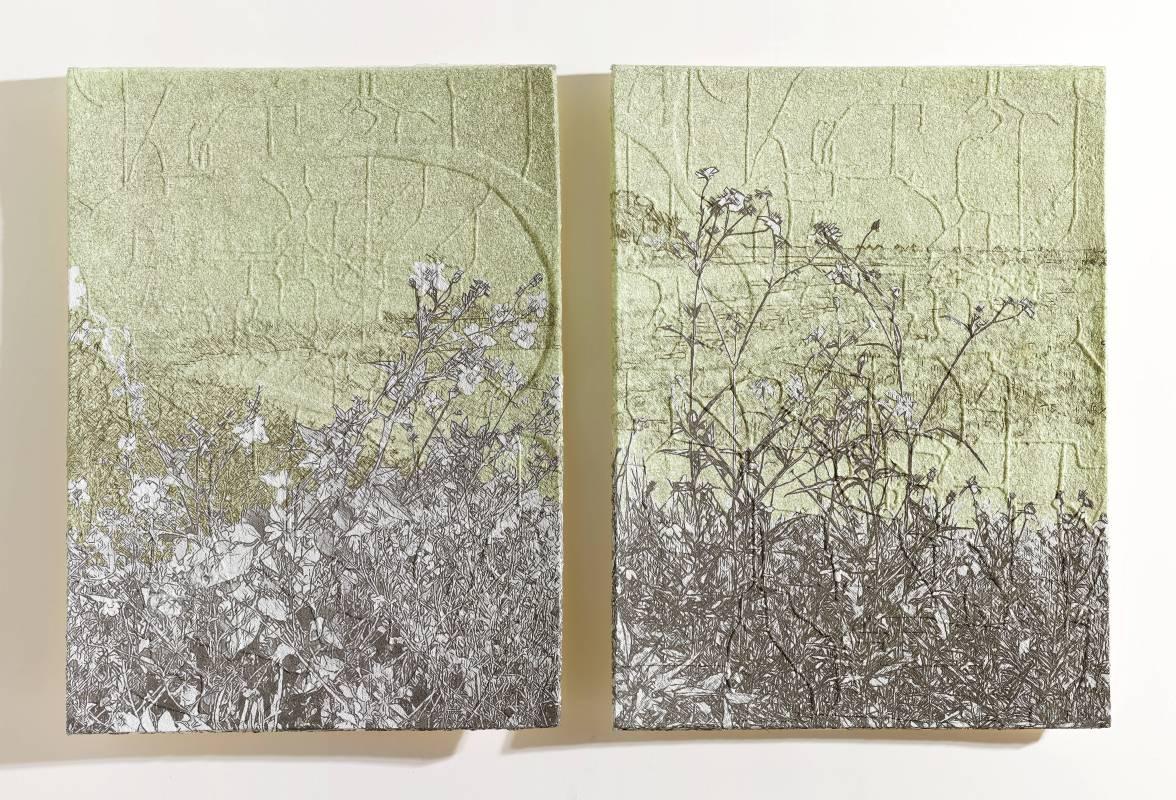 楊明迭 YANG Mingdye 草衣 Grass Coat紙漿、併用版 Paper Pulp, Combining techniques105x80x3cmx22018