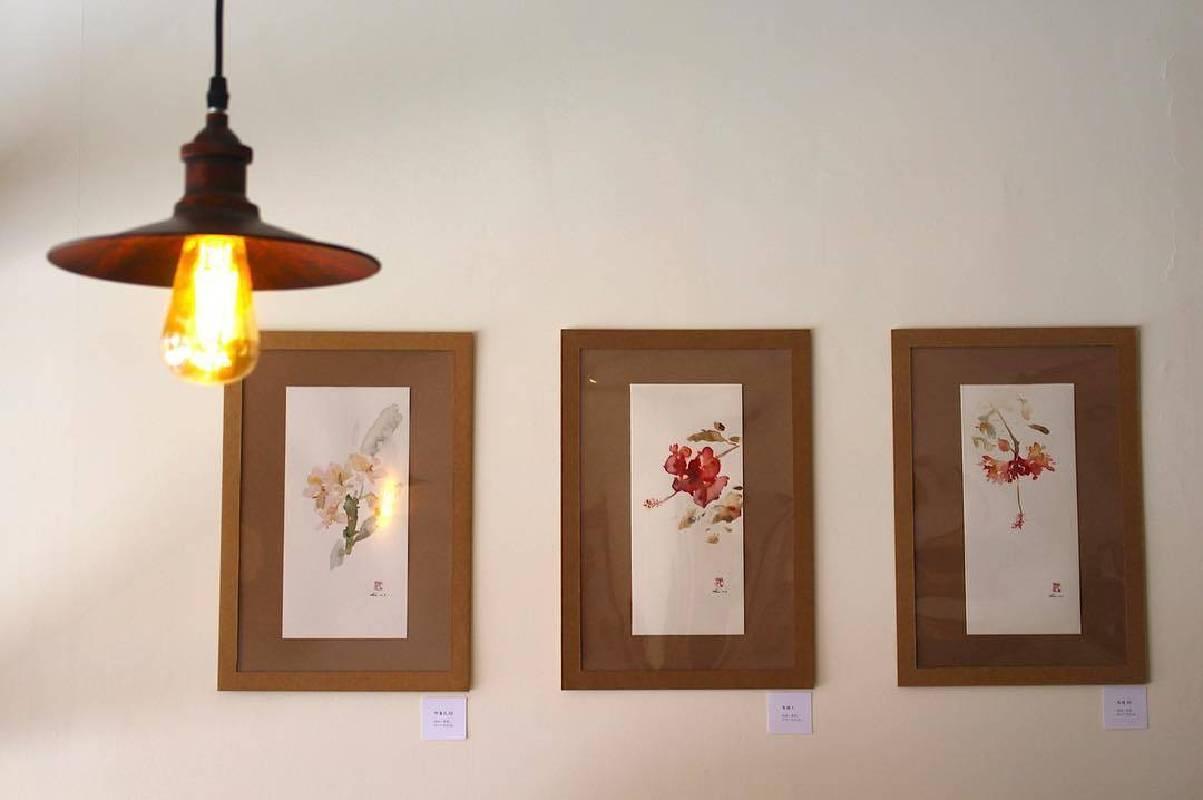 沈鈺華以節氣花卉畫作為主題展現時間更迭的流動感