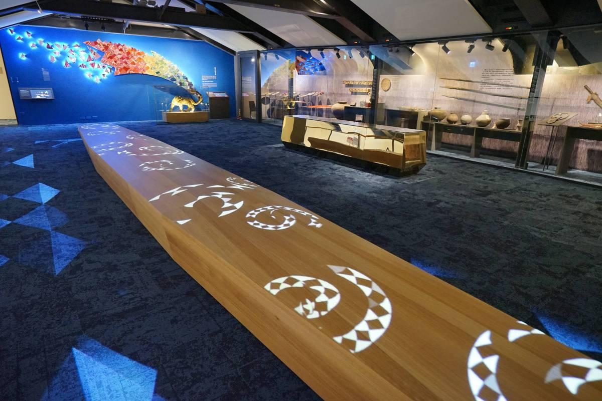 泰雅族織藝師尤瑪・達陸的《古虹新姿》與多媒體藝術家王俊傑的創作:《過去的未來》