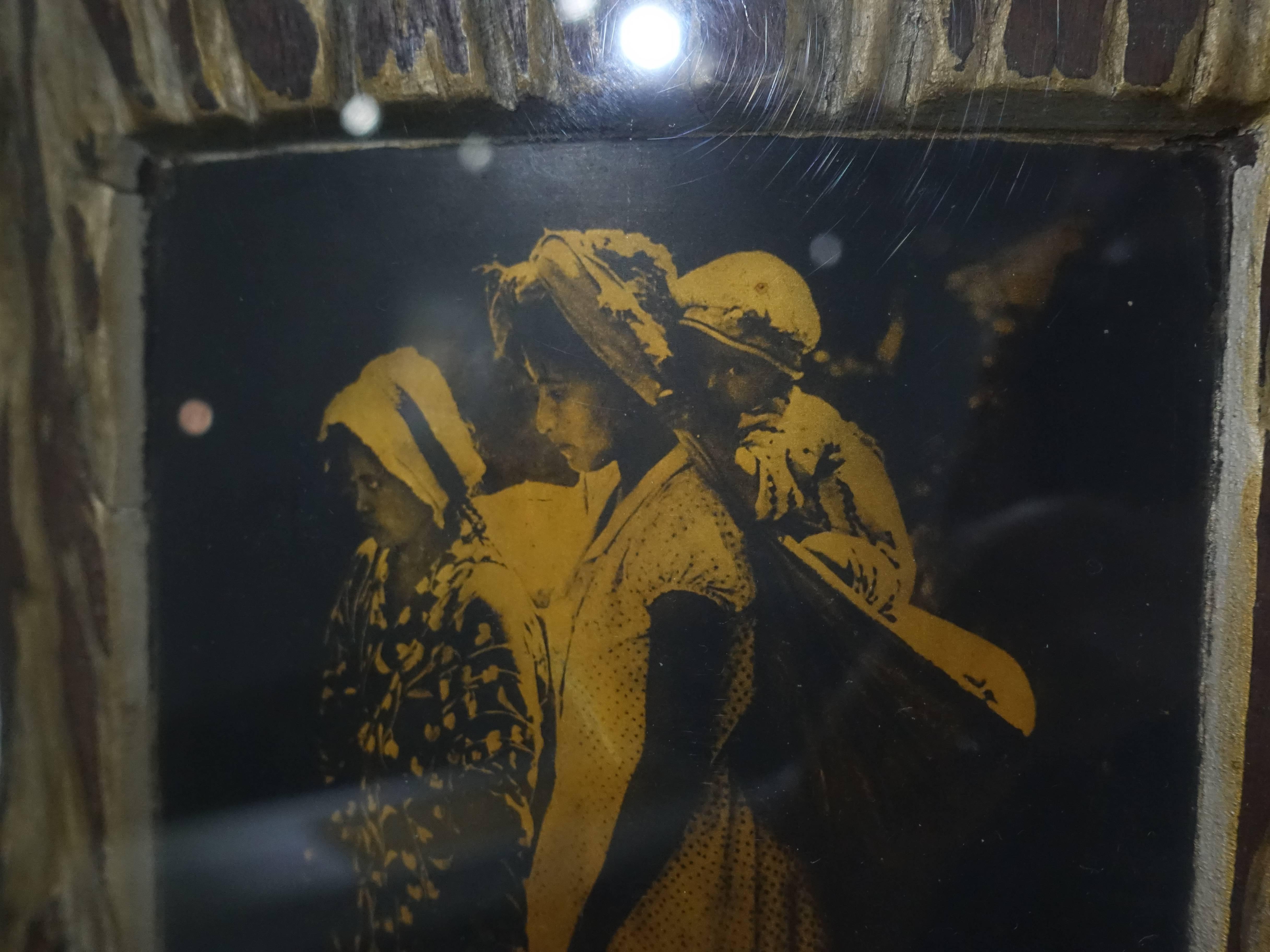 彭瑞麟,《太魯閣之女》,40x28 cm,純金漆器寫真,1938。