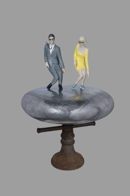吳本俊松  Fabulous moment   2019  雕塑 (櫸木、錫片、樹脂)   61.5*41*41 cm