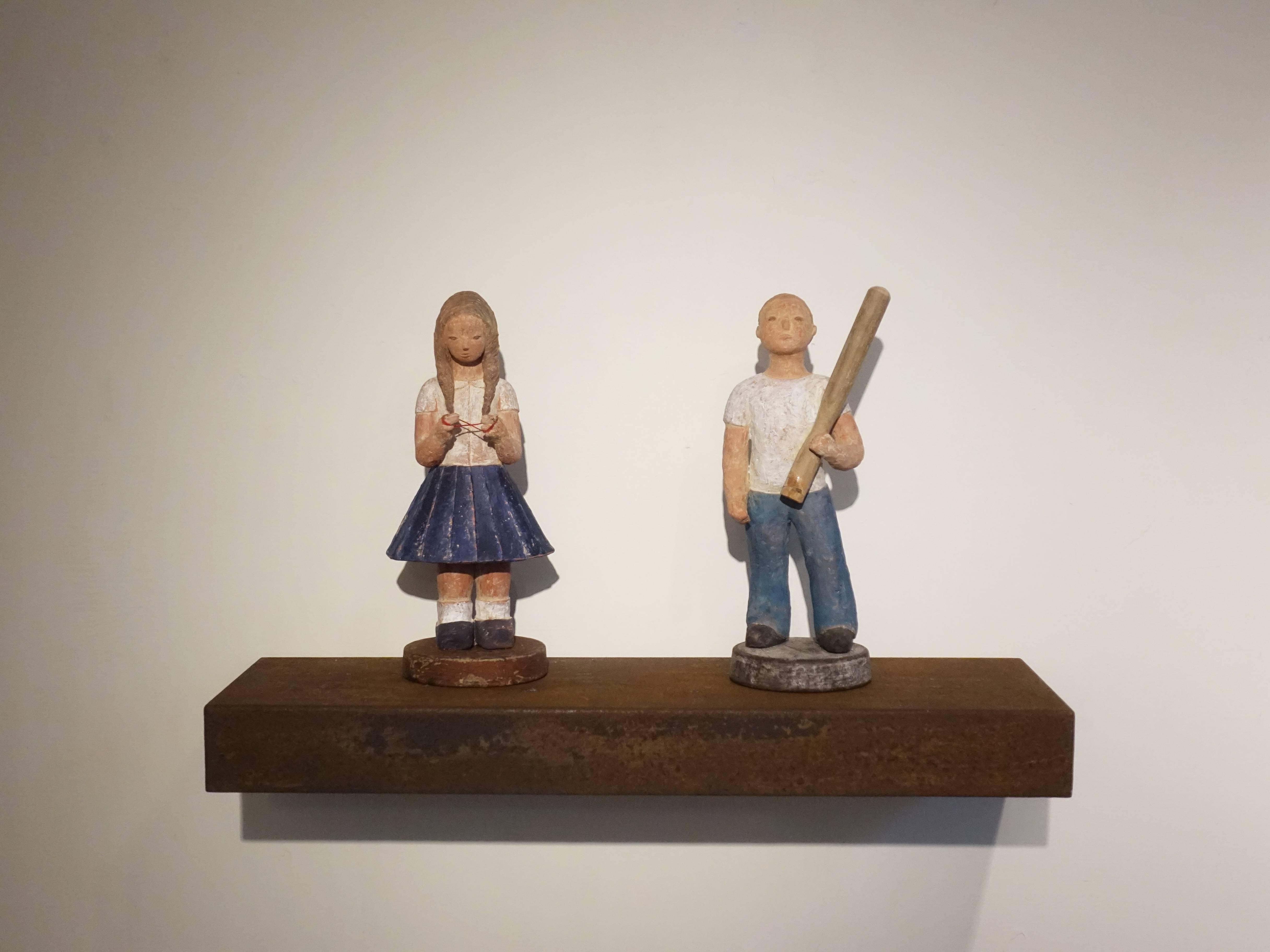 林怡芬,《少年》右、《少女》左,Terra cotta、礦物質顏料,2019。