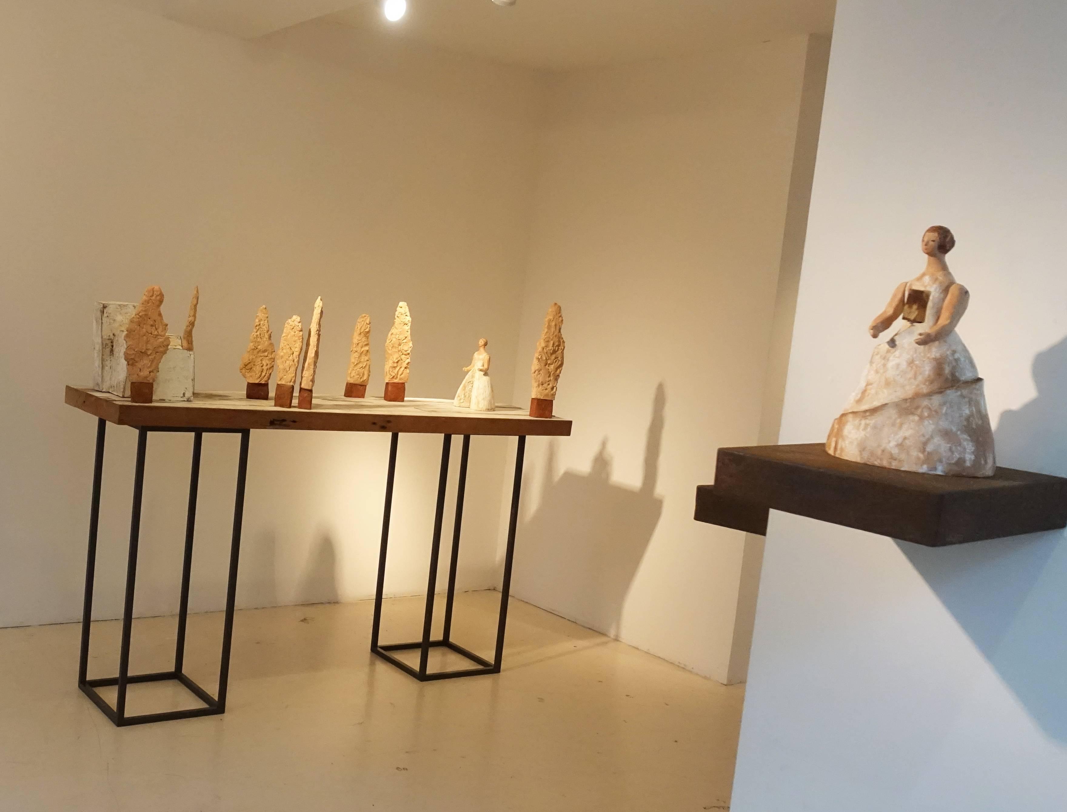 一票人票畫空間展出藝術家林怡芬雕塑作品。