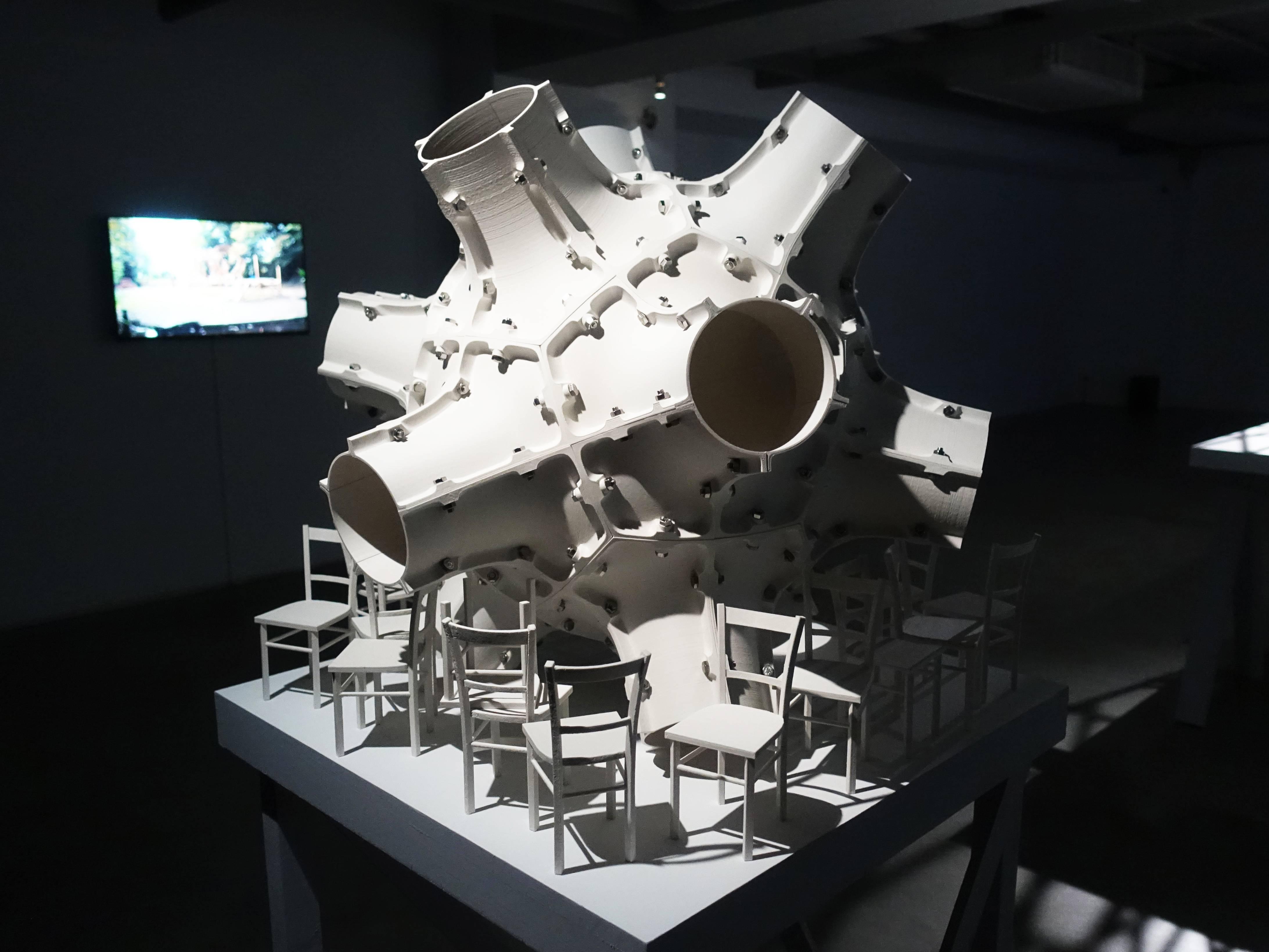 Florian Claar,《No.1》,61 x 65 x 65 cm,PLA、stainless steel bolts、不鏽鋼螺栓,2019。