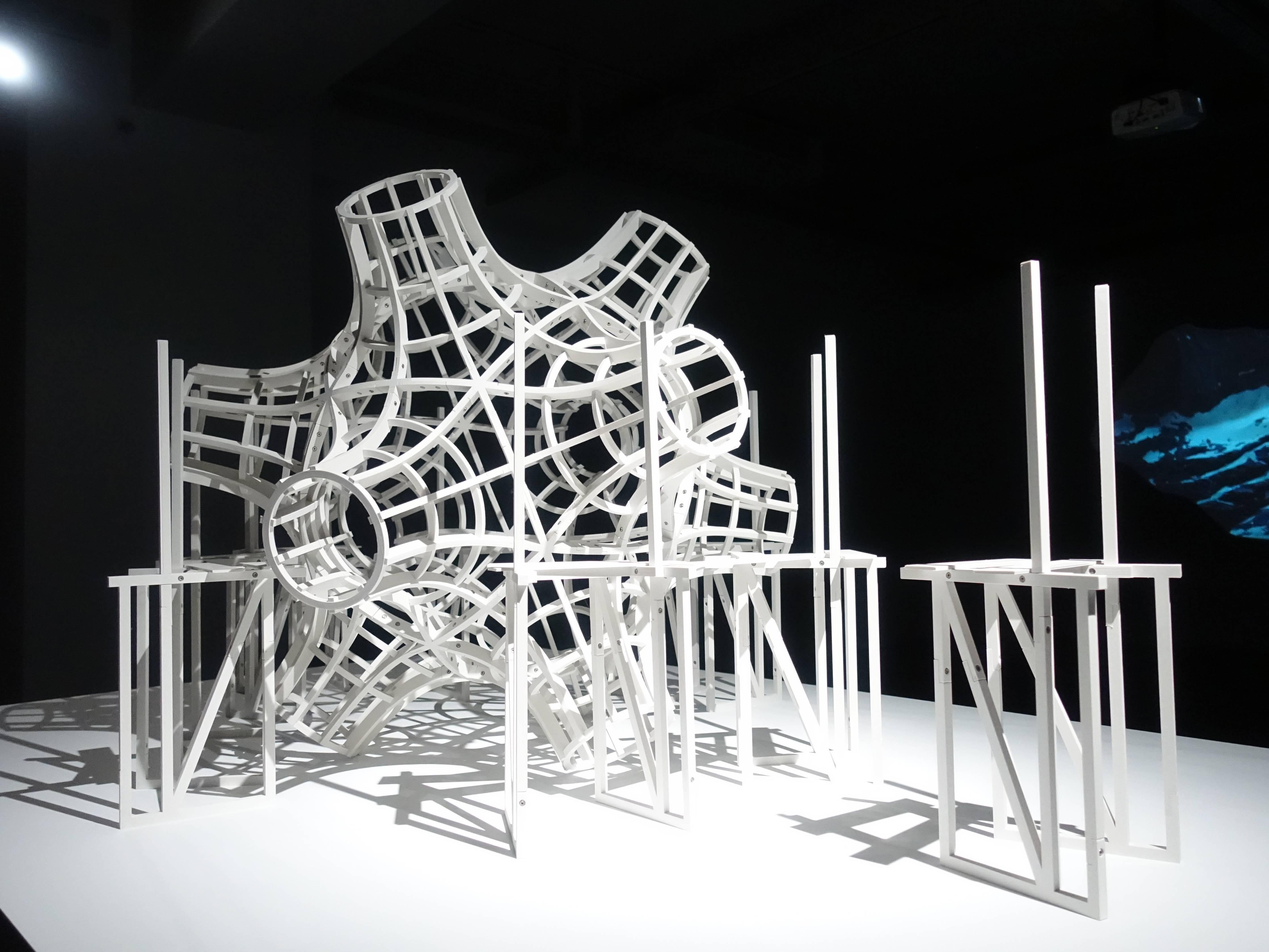 Florian Claar,《Vessel 陸上行舟 IV》,91 x 190 x 125 cm,PLA、stainless steel bolts、不鏽鋼螺栓,2019。