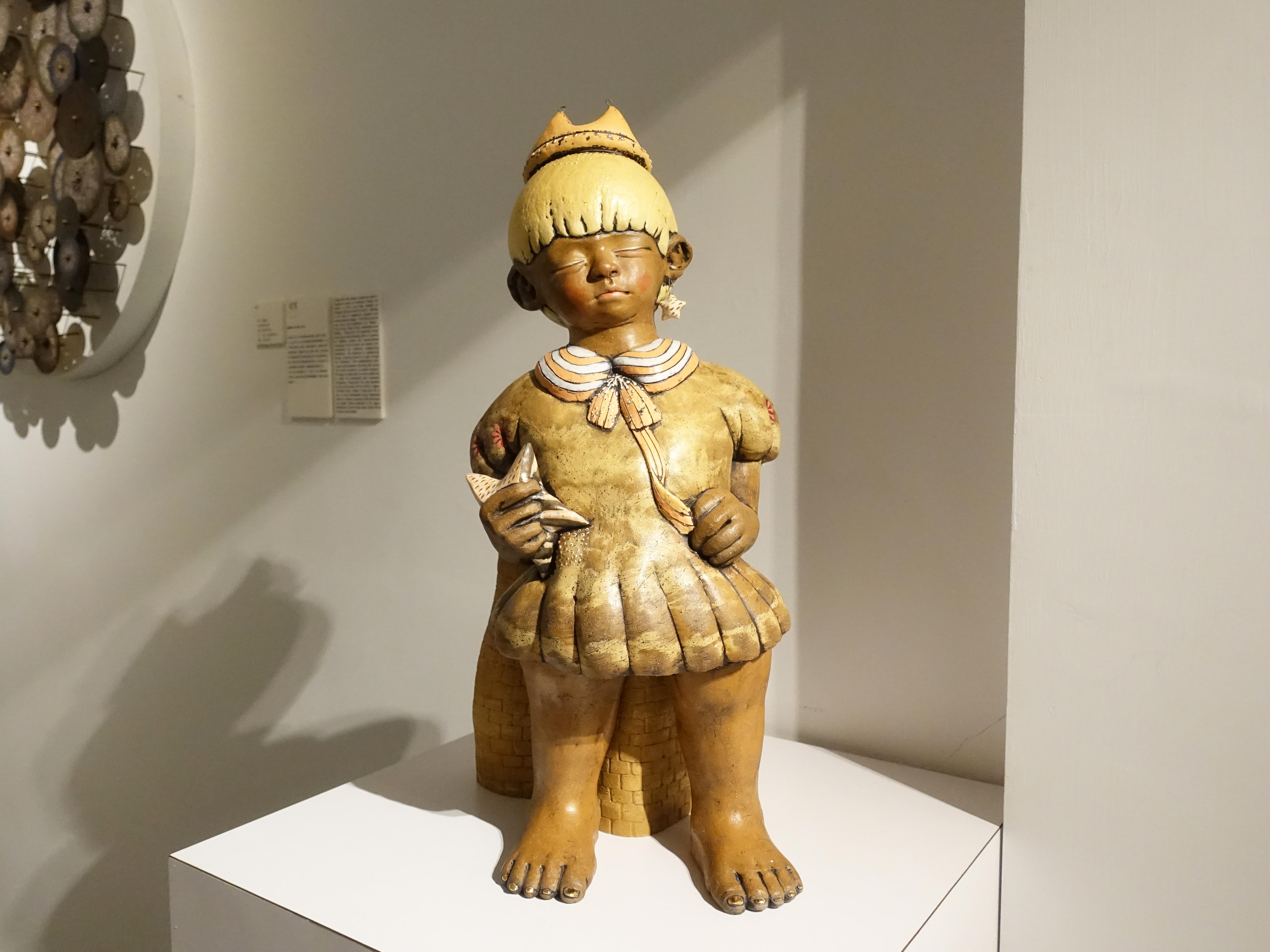 楊宗嘉,《王子心》,26 x 26 x 52cm,陶瓷、釉下彩、釉上彩、釉藥,2018。