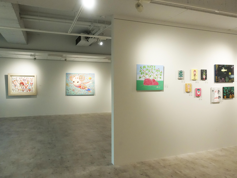 宛儒畫廊展出可樂王、吳衍震、蔡忠和創作聯展「童真切片」。
