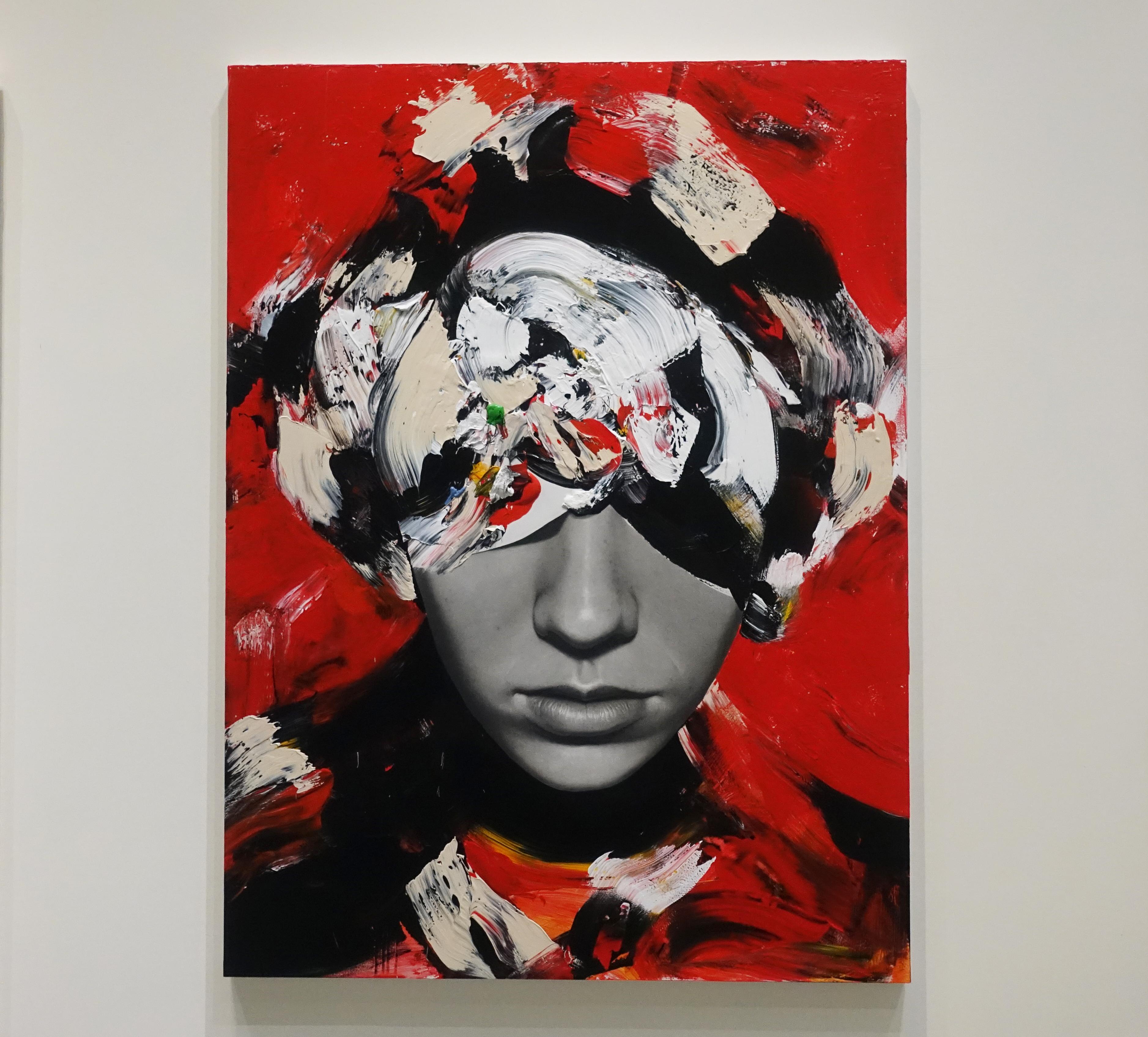 佐藤誠高,《Woman in red dress》,130 x 97 cm,鉛筆、壓克力、紙、木板,2019。