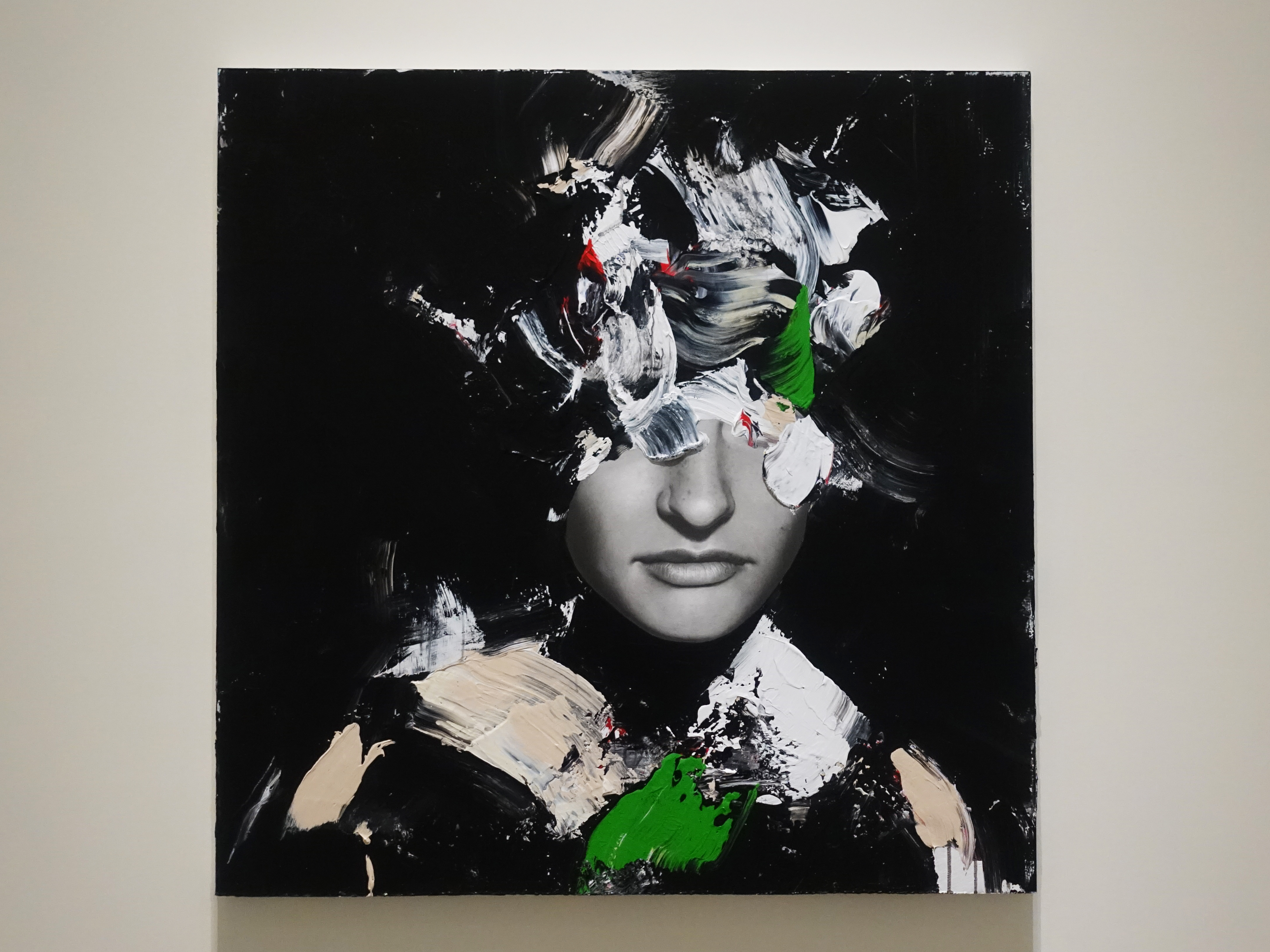 佐藤誠高,《Darkness》,98 x 97 cm,鉛筆、壓克力、紙、木板,2019。