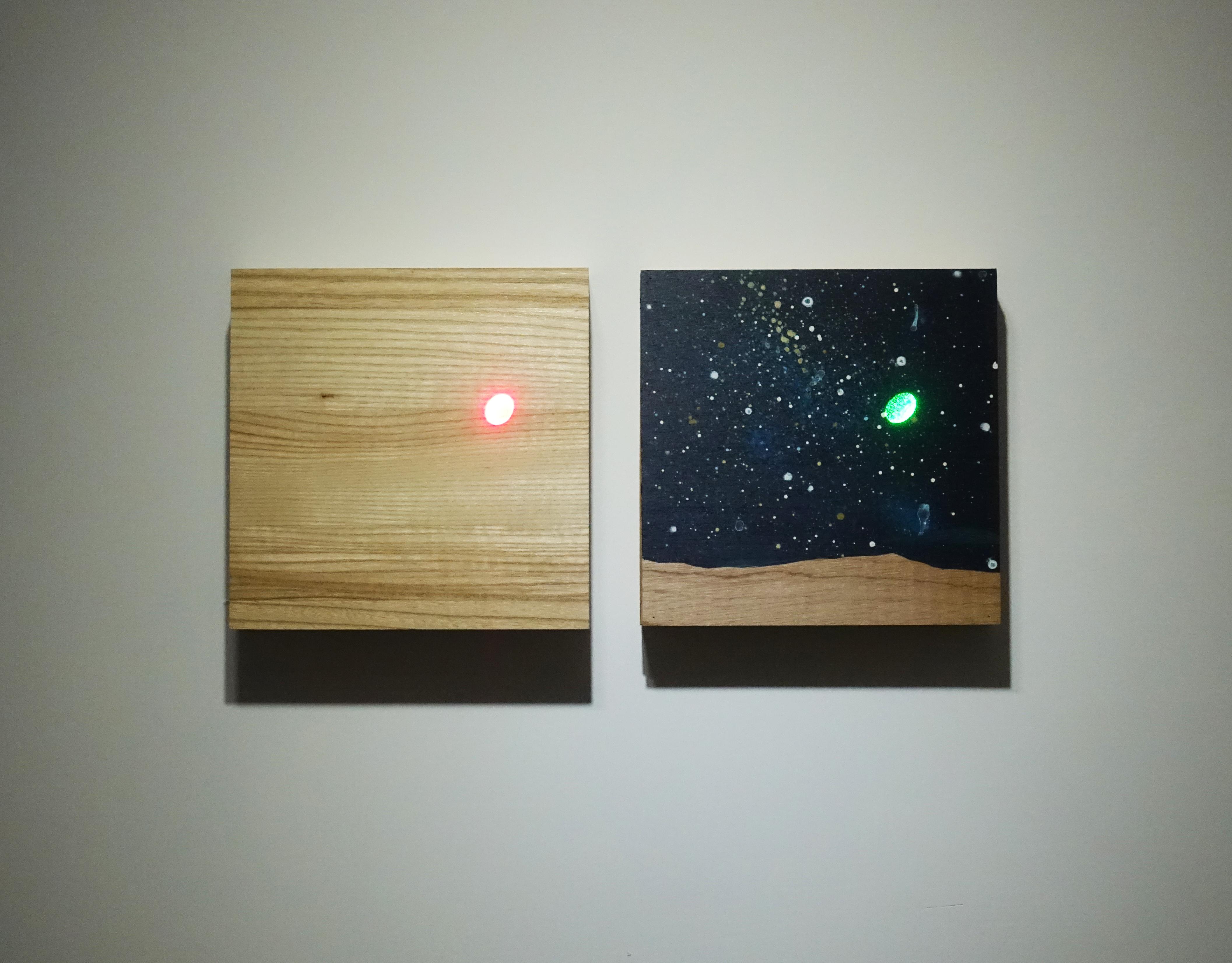 張獻文,《層敘・界1》,20x20x5 cm(左),20x20x3.5cm(右),木板、丙烯酸顏料、鐳射,2019。