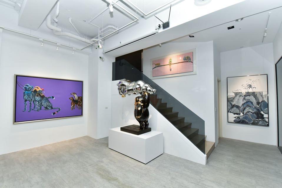 大雋藝術召集多位藝術家的精彩創作推出《覓—館藏選粹展》。