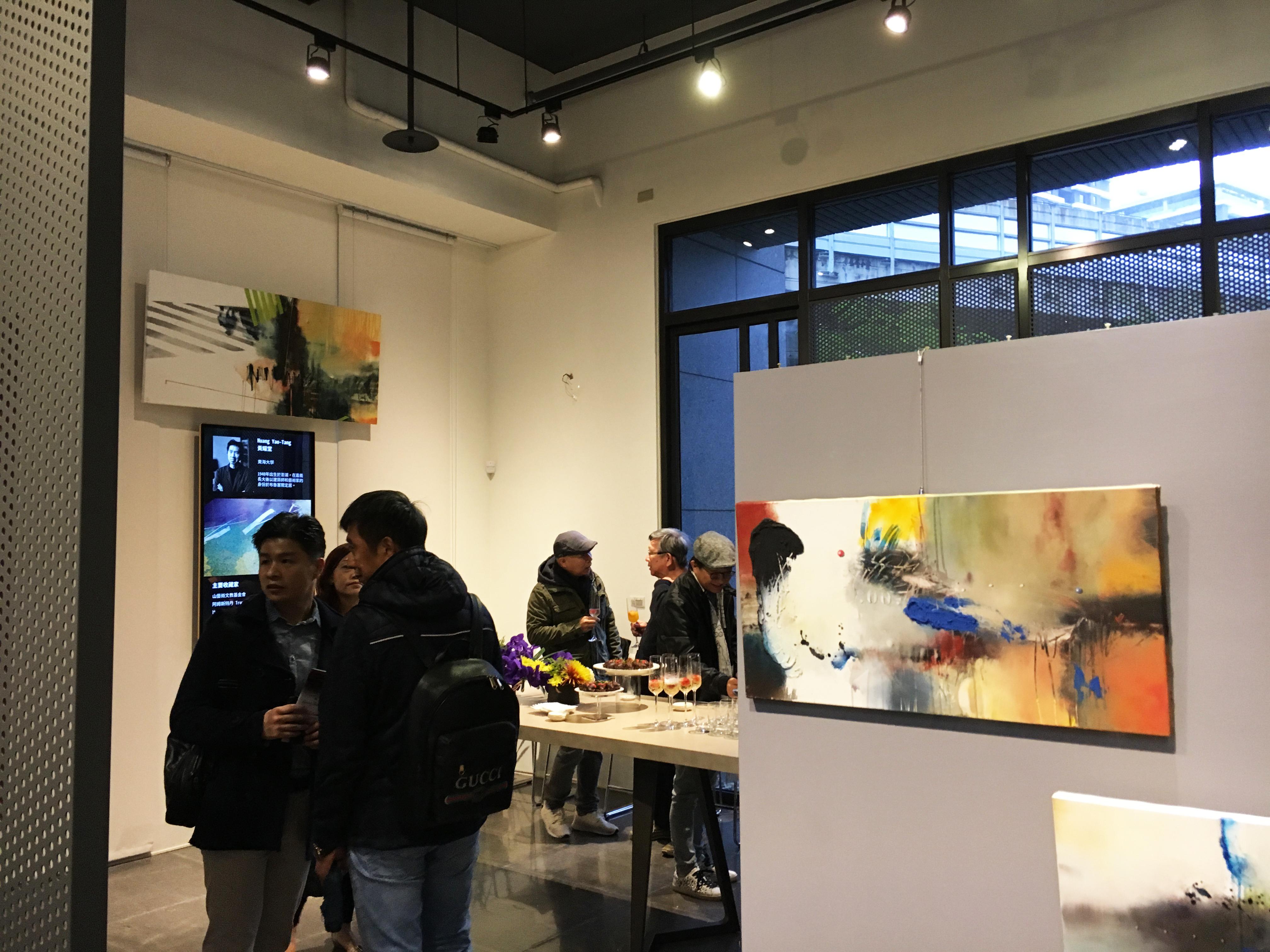 藝術家維克多・拉米雷斯與黃耀堂雙人展開幕茶會現場。