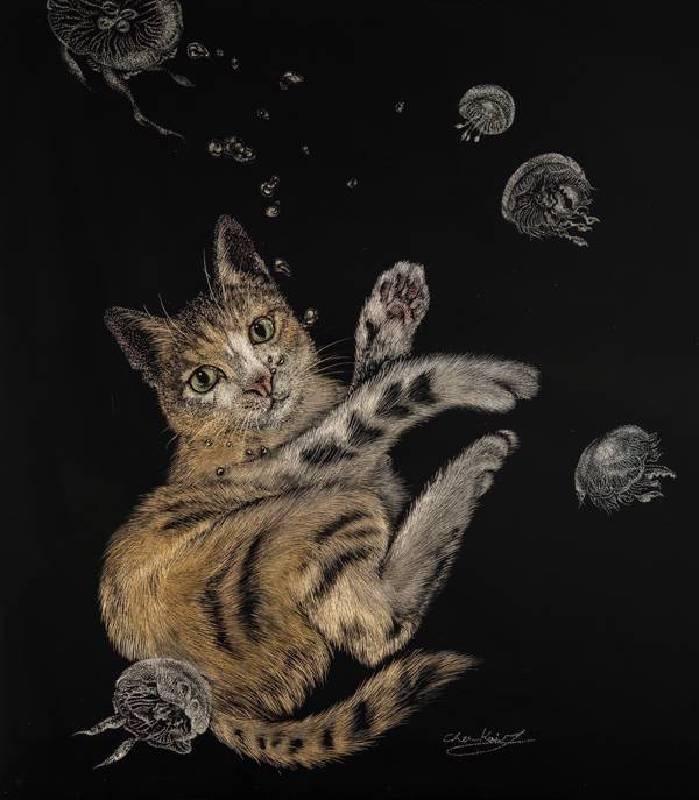 藝術家:陳愷靜   標題:貓與海月  尺寸:27*24 cm  材質:天然漆、木板  年代:2018