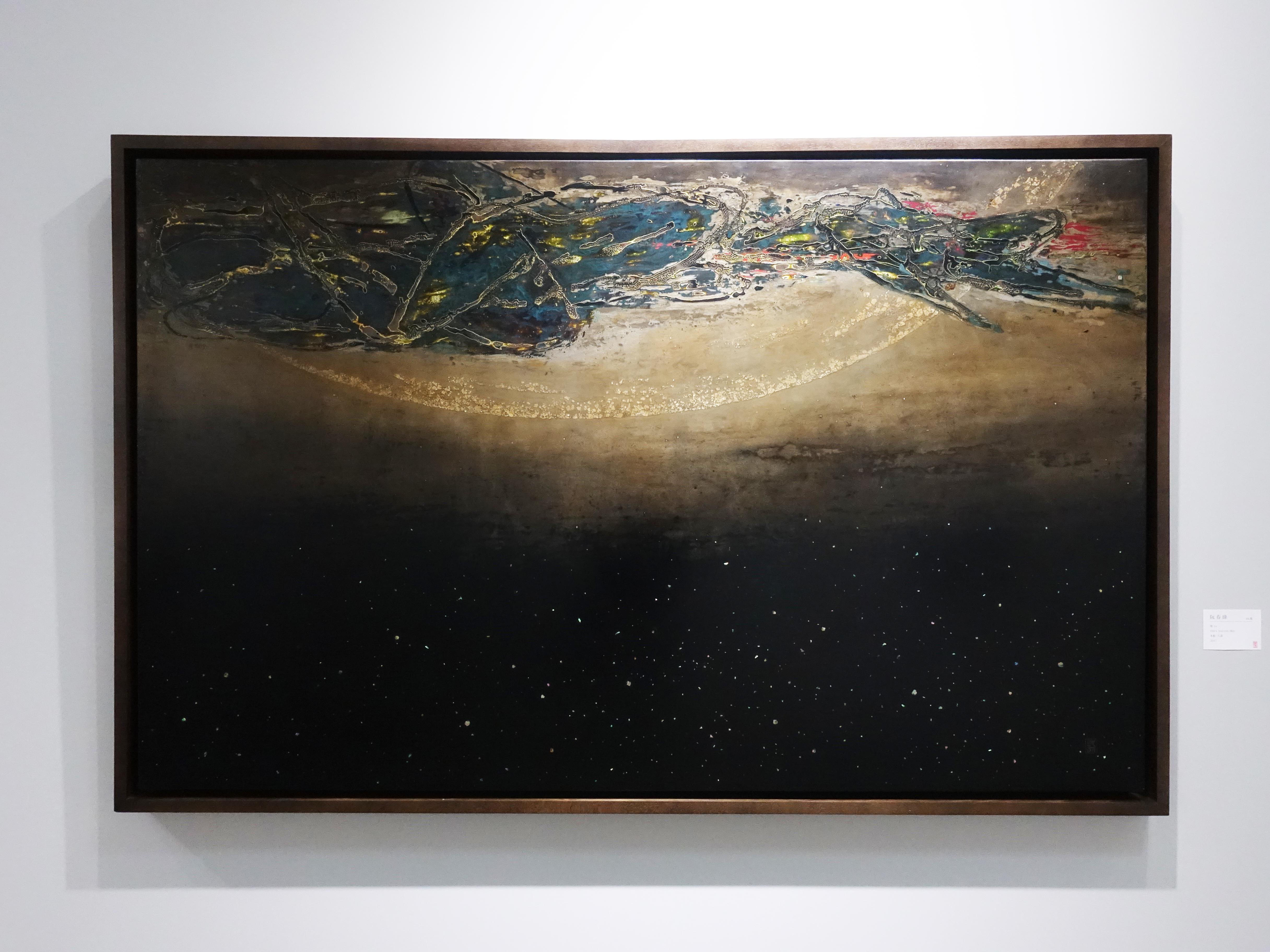 阮春綠,《塵14》,100 x 160 cm,漆畫,2017。