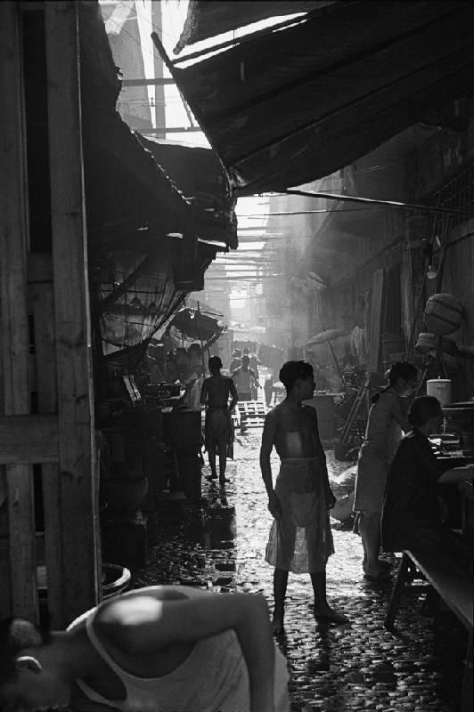 亨利.卡蒂埃.布列松 | 颱風天 上海,1949年7月底 明膠銀鹽相紙, 1949 34.2 x 22.9 cm © Fondation Henri Cartier-Bresson / Magnum Photos