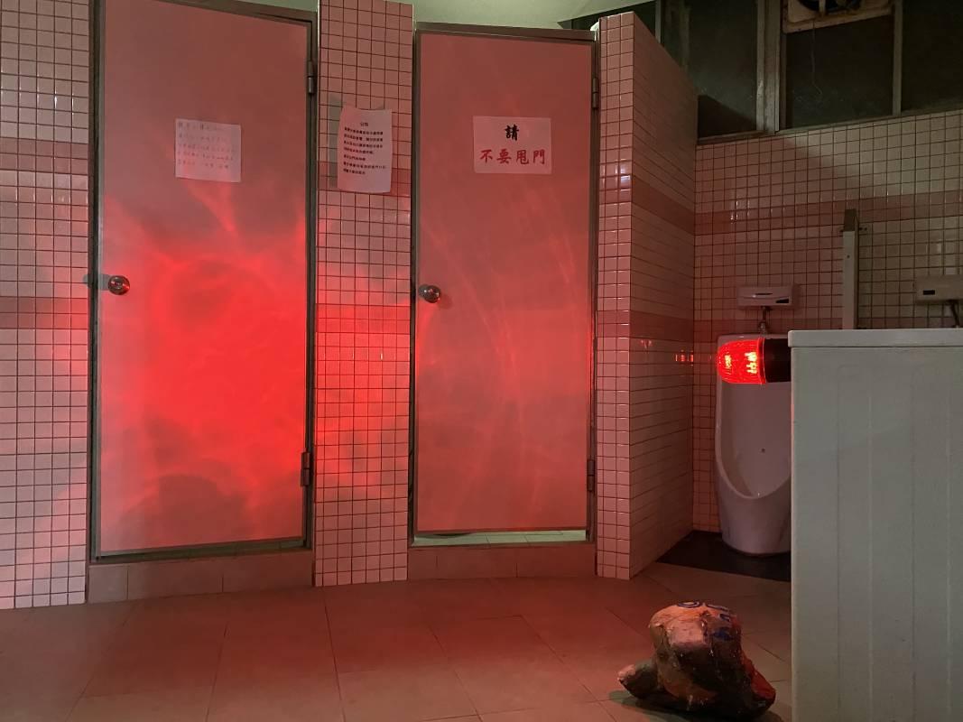 《夜間快閃計畫——我的展場》複合媒材,視場地而定_02