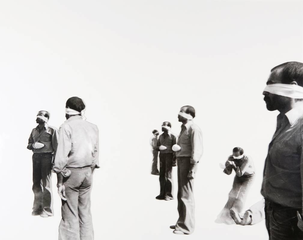 ©Broomberg & Chanarin; Courtesy Lisson Gallery,亞當.布倫伯格&奧利佛.查納林,來生 Afterlife,2009,拼貼,玻璃,鉛, c-type prints,50.8 x 40.7 cm 共17 件,20 x 16 inch