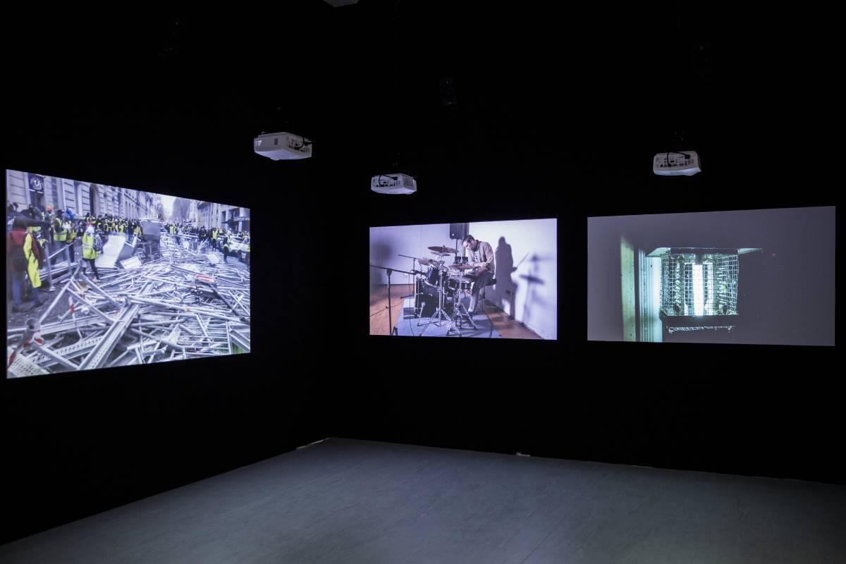 《結構研究VI》,多頻道錄像裝置,展覽現場,2019(由倪灝、上海 VACANCY藝廊及 T293藝廊提供)