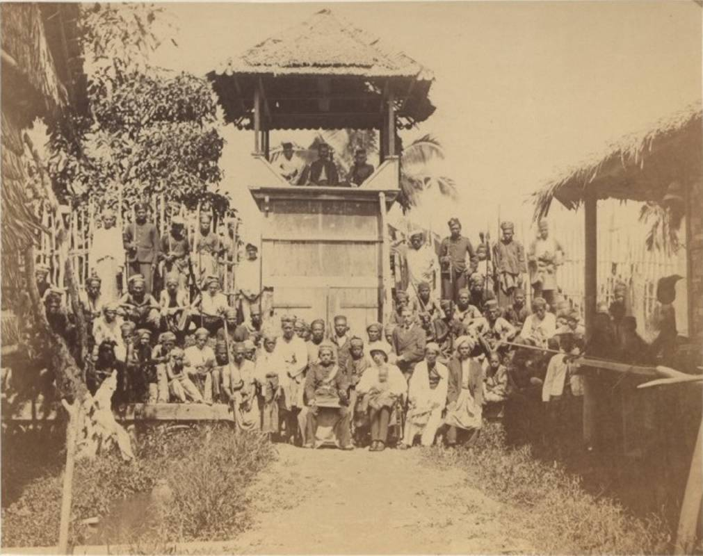 《銀色噪音:關於流亡的馬來半島局部聲音迴路》,1874年6月,蘇丹阿都拉於海峽殖民地馬來亞半島霹靂河旁的峇達拉必(區秀詒提供)