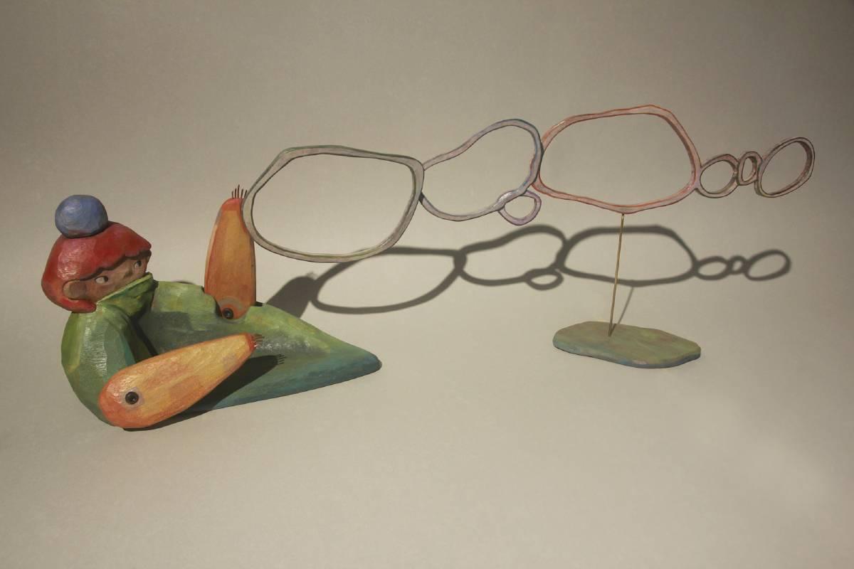黃靜萱《欸!走啦走啦 》桂蘭木、花梨木、紅銅、黃銅、內角螺絲,79x16.5x27cm,2020。
