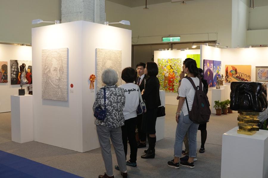 歷屆不少藝術家因「國際藝術家大獎賽」在全球藝壇受到矚目及發光發熱。