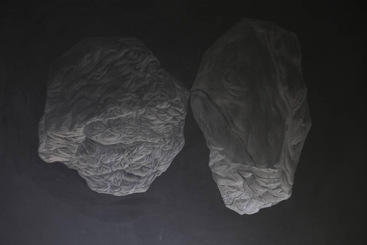 黃立穎,〈奇石06〉,鉛筆,依場地而定