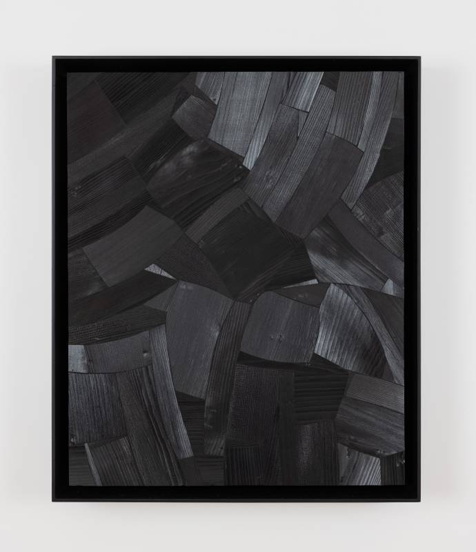李培 《Issu du feu F01》, 2003 畫布⽊炭 162 x 130 cm 攝影:Ringo Cheung 圖片由藝術家及⾙浩登提供
