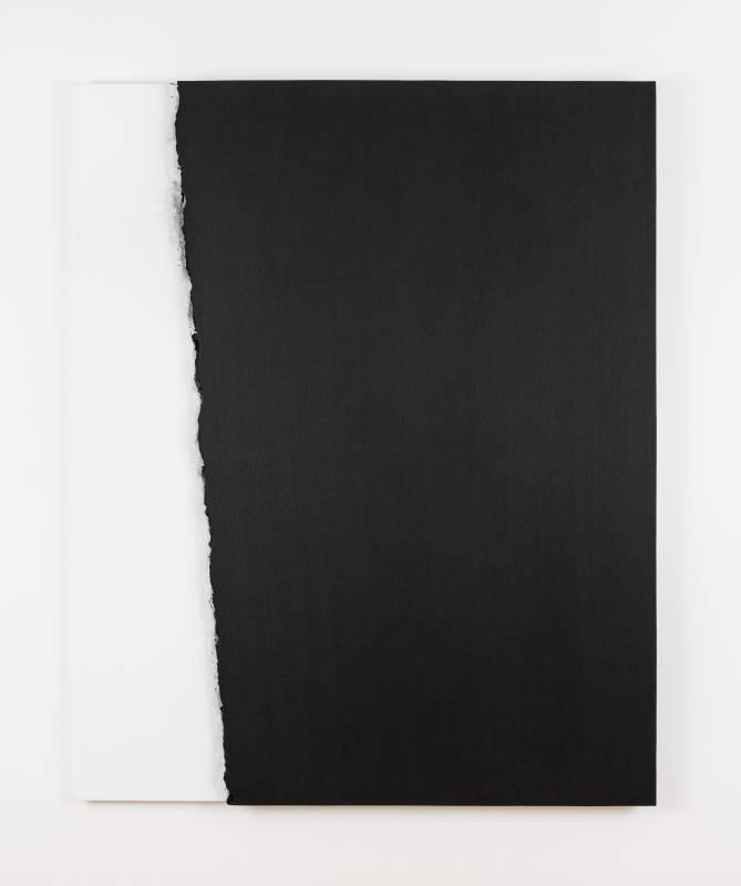 李培 《Landscape F20》, 2003 畫布⽊炭 162 x 130 cm 攝影:Ringo Cheung 圖片由藝術家及⾙浩登提供