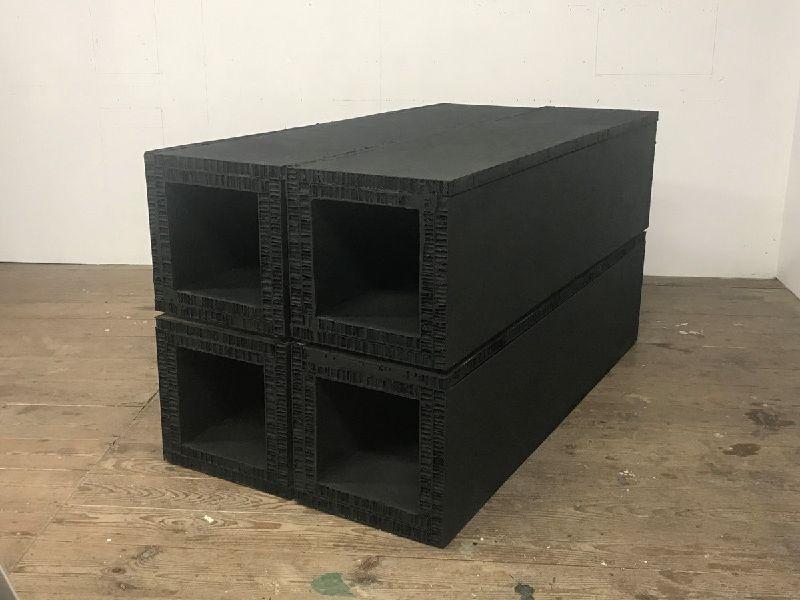 原口典之-四個中空立方體