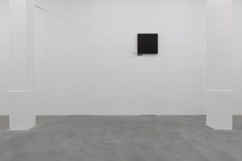 原口典之-黑色立方體與鋼索