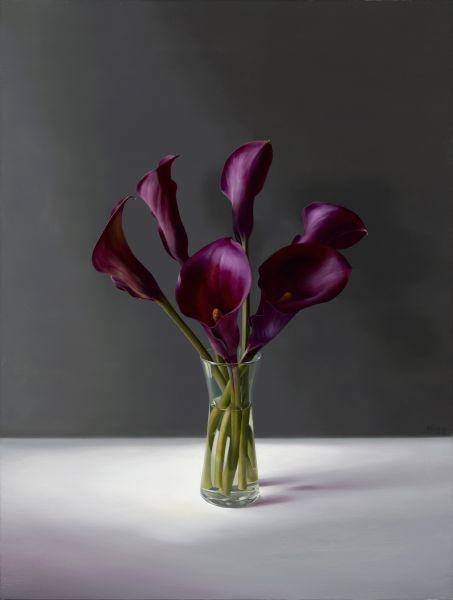 林浩白-紫色海芋與灰牆