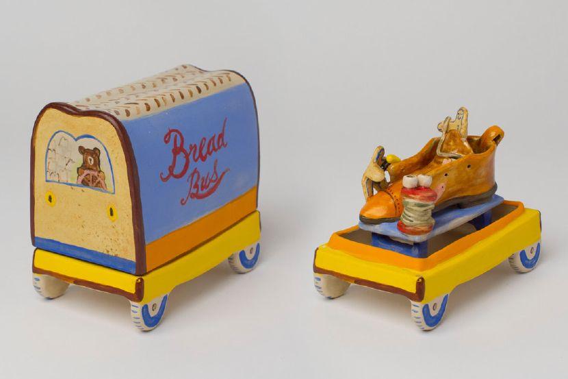 伍玳黎-麵包車
