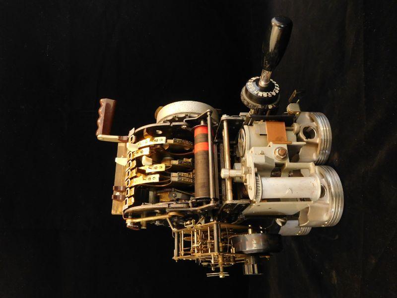 劉玹希-機器時代-貨幣記錄器