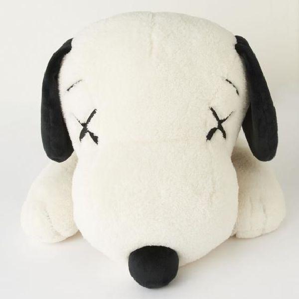 KAWS-UNIQLO KAWS X PEANUTS Snoopy 史努比娃娃聯名款(白/M)