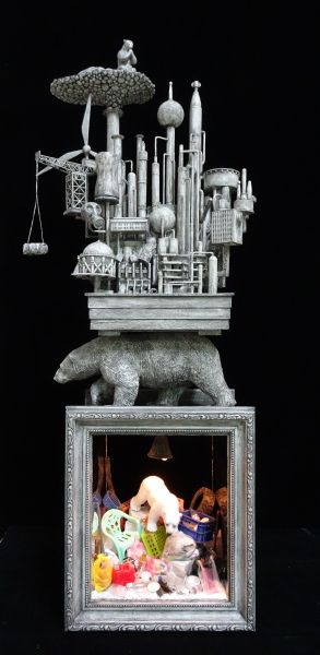 王寶慶-沉重的行囊-北極熊 Heavy Luggage - Polar Bear