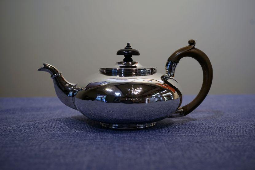 銀器-英國銀壺