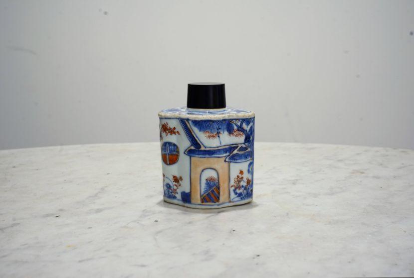 瓷器-伊萬里風格茶罐