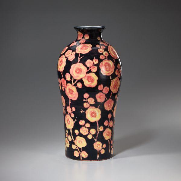 蘇世雄-雕釉臘梅瓶