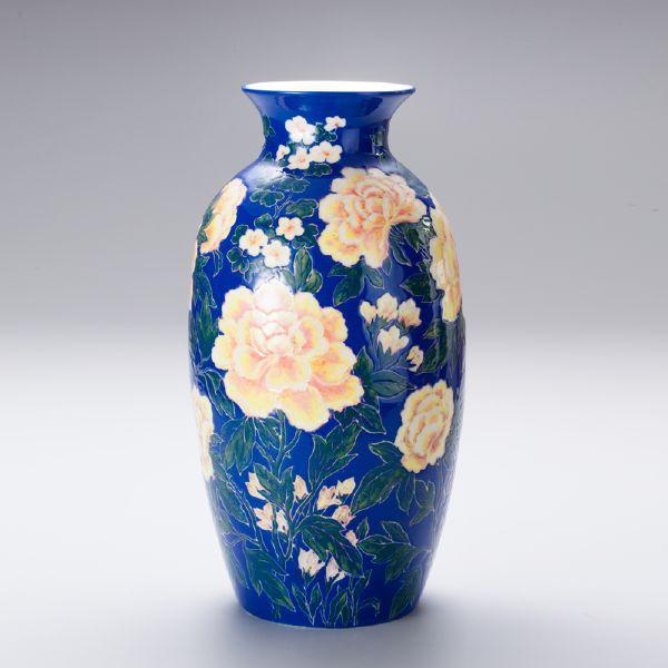 蘇世雄-雕釉藍底牡丹花紋瓶