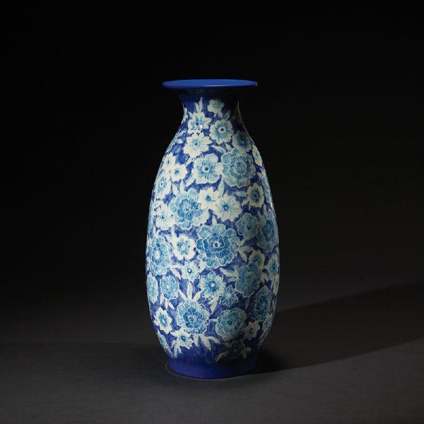 蘇世雄-雕釉青花瓶