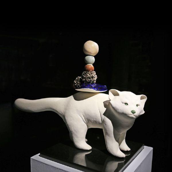 胡慧琴-平衡石-紅棕熊(一)