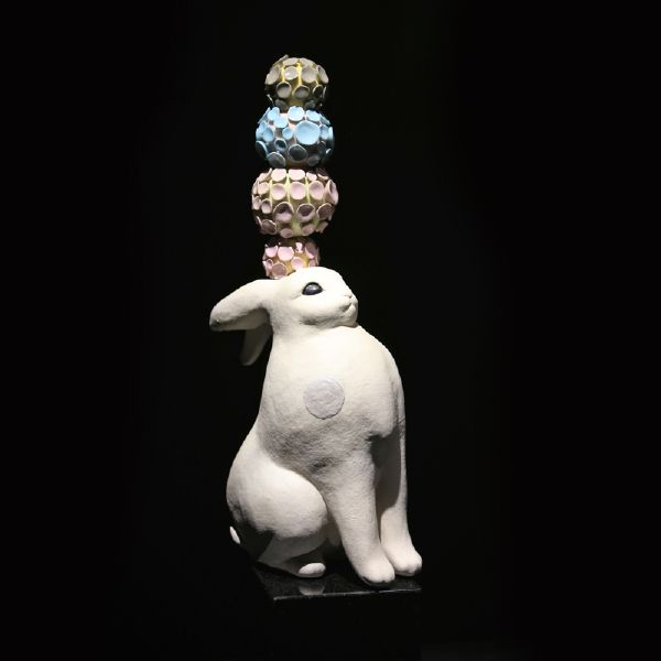 胡慧琴-平衡石-北極兔