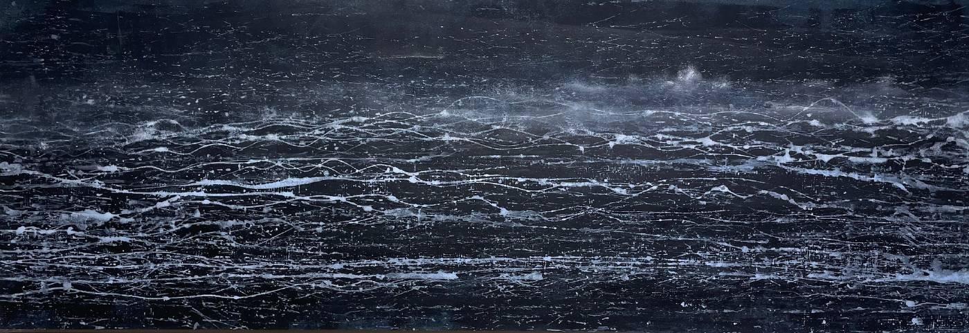 藝術家:許宥閒  標題:夜曲 33  尺寸:35 * 104 cm 年代:2021    材質:複合媒材/紙