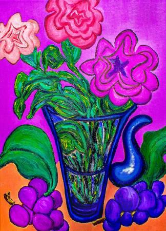 劉麗-玻璃花瓶中的花朵和葡萄