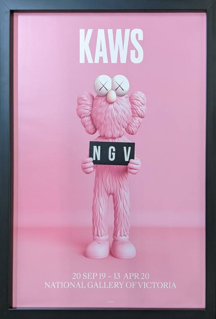 多納藝術-KAWS BFF海報 2019 (粉、含框)
